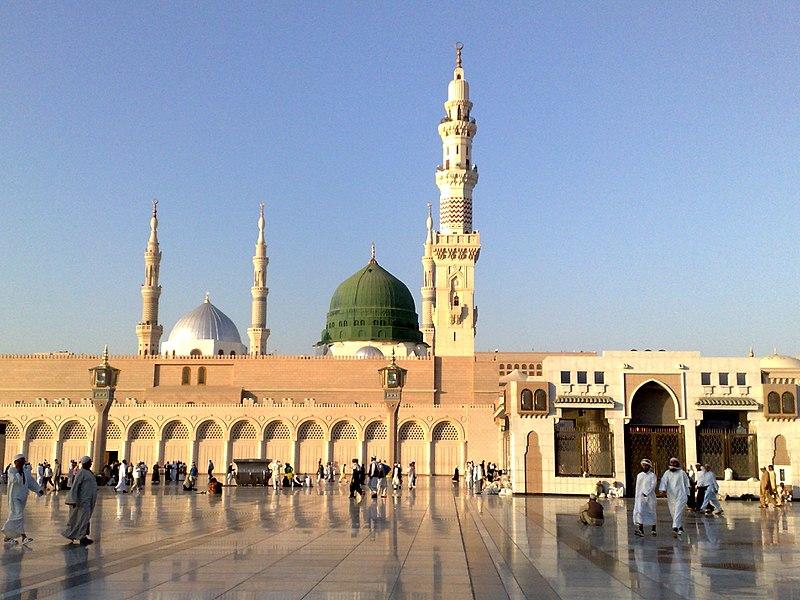 800px Madeena Masjid Nabavi 12122008230