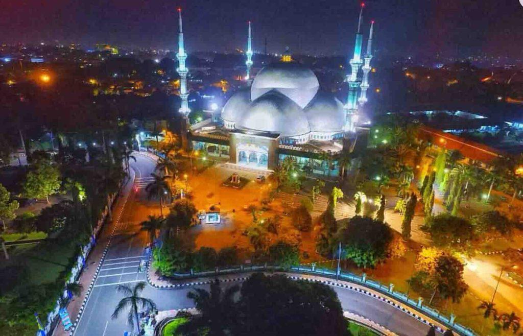 Masjid Raya Al Azhom Kota Tangerang 1